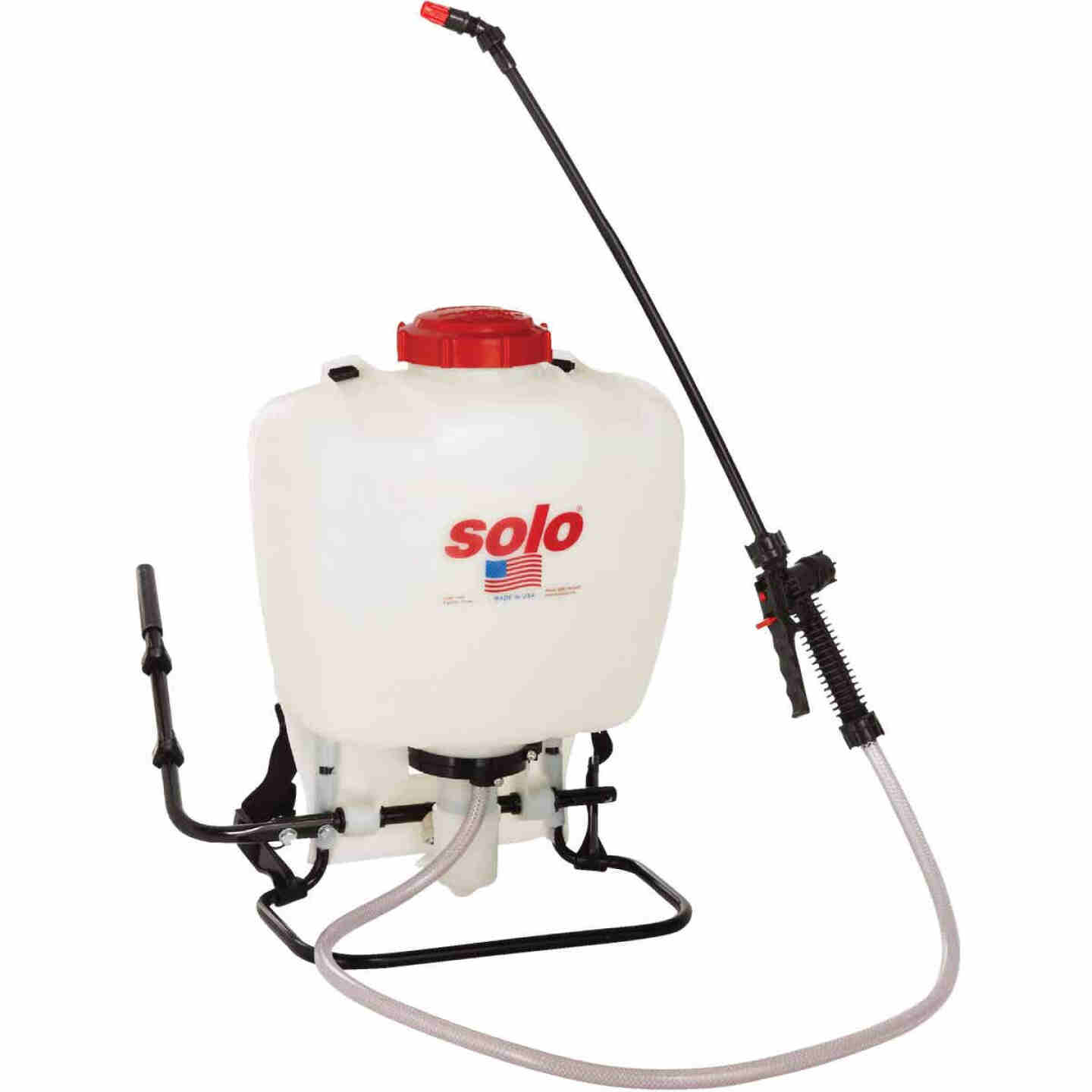 Solo 425 4 Gal. Backpack Sprayer Image 1